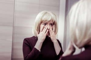 Is self pity a sign of narcissism?